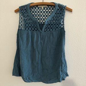 4/$25 Daniel Rainn Blue Sleeveless Blouse